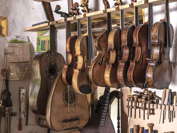 Master Luthiers in Sorrento