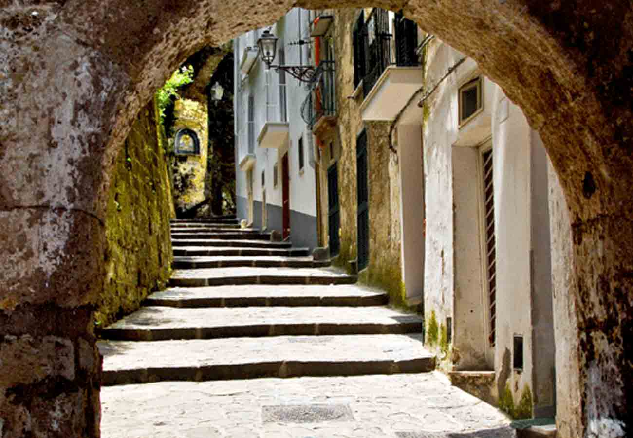 Sorrento Trails Fashion Itinerary